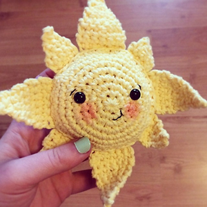 Summer Sun Softie | Friday Feature #2 via @beckastreasures with Screen to Stitch #crochet