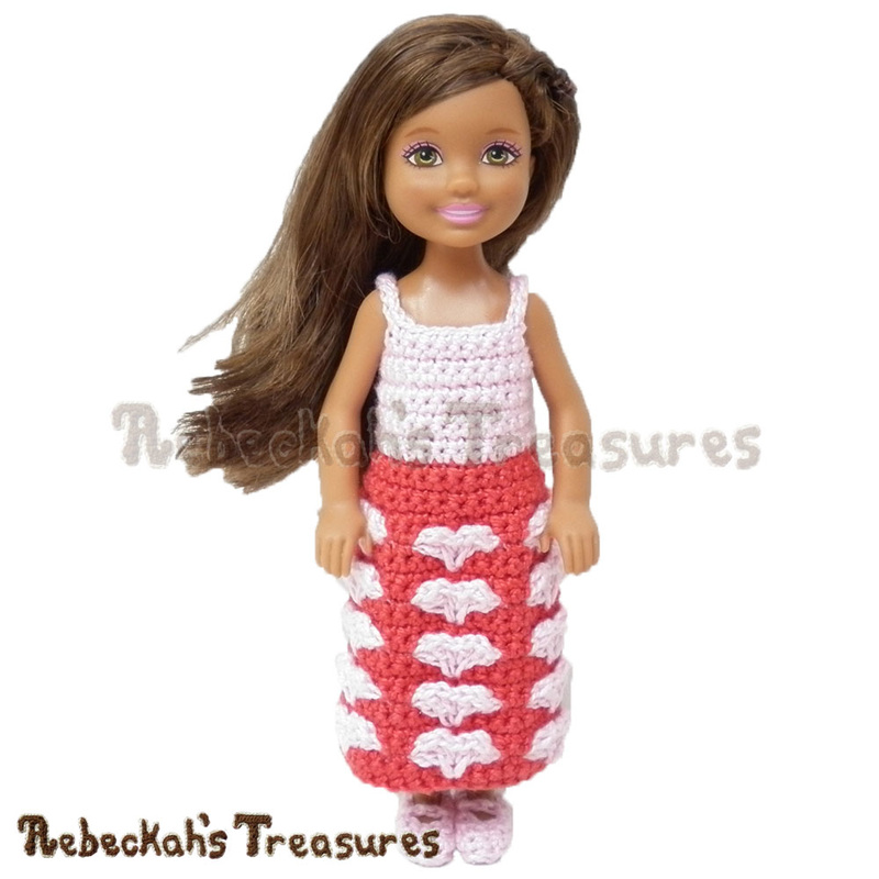 Sweetheart Kisses Girl Fashion Doll Dress | FREE Designer's Potpourri CAL pattern via @beckastreasures | A precious Valentine's dress for little Barbie dolls! #hearts #valentines #crochet