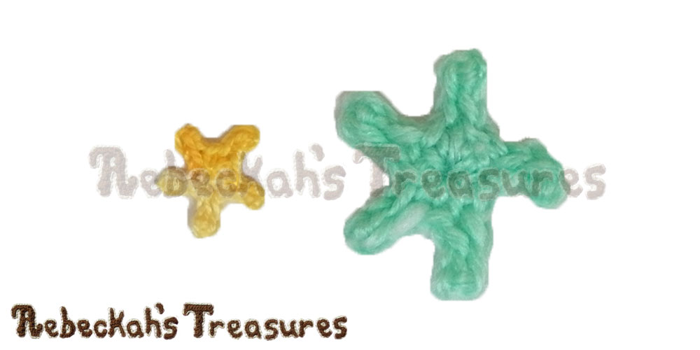 Tiny Starfish Motifs in cotton thread & sport yarn | FREE crochet patterns via @beckastreasures | Delightful appliqués for under the sea projects! #motif #crochet #starfish