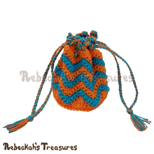Chevron Coin Purse Crochet Pattern PDF $1.75 by Rebeckah's Treasures! Grab it here: http://goo.gl/wo9HOZ #chevron #crochet #purse