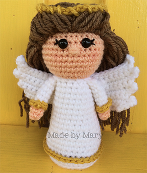 Nativity Angel Amigurumi - Crochet Pattern by #MadebyMary | Featured at Made by Mary - Sponsor Spotlight Round Up via @beckastreasures | #fallintochristmas2016 #crochetcontest #spotlight #crochet #roundup