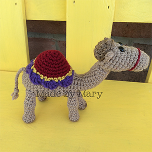 Nativity Camel Amigurumi - Crochet Pattern by #MadebyMary | Featured at Made by Mary - Sponsor Spotlight Round Up via @beckastreasures | #fallintochristmas2016 #crochetcontest #spotlight #crochet #roundup