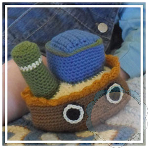 Little Sailor Toy Boat - Crochet Pattern by @CCWJoanita | Featured at Creative Crochet Workshop - Sponsor Spotlight Round Up via @beckastreasures | #fallintochristmas2016 #crochetcontest #spotlight #crochet #roundup