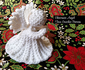 Christmas Angel | Friday Feature #10 via @beckastreasures with @OombawkaDesign | See the latest designer features here: https://goo.gl/UIvoYx OR SIGN UP to get featured at Rebeckah's Treasures here: https://goo.gl/xjDP52 #crochet