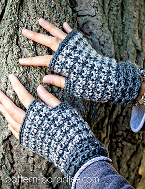 Dogwood Fingerless Gloves | Featured at Tuesday Treasures #15 via @beckastreasures with @patternparadise | #crochet