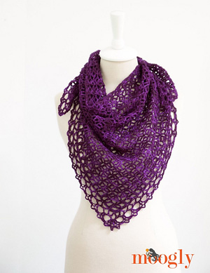 Fortune's Shawlette | Featured on @beckastreasures Tuesday Treasures #3 with @mooglyblog!