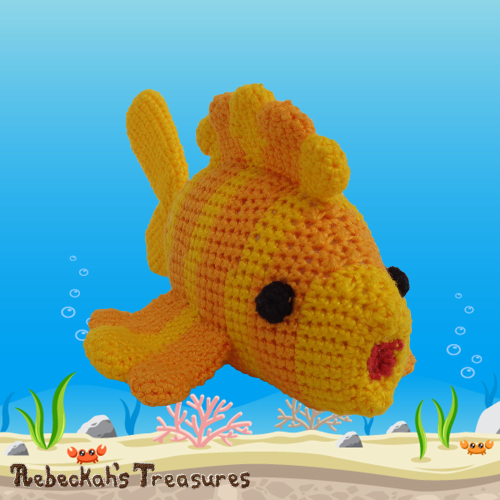 Goldfishy Amigurumi Swimming by to Meet YOU! | Crochet Pattern by @beckastreasures | Will it be mirror decoration, part of a baby mobile or a cuddly toy? YOU get to decide!!! | | Available to purchase in my #Ravelry & Website shops, or as part of the April 2017 issue of @getstuffed - Get your copy today! | #crochet #pattern #goldfishy #fish #goldfish #amigurumi #GetStuffedMagazine