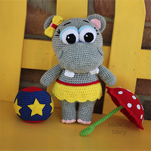 Hippo Amigurumi - Crochet Pattern by #MadebyMary | Featured at Made by Mary - Sponsor Spotlight Round Up via @beckastreasures | #fallintochristmas2016 #crochetcontest #spotlight #crochet #roundup
