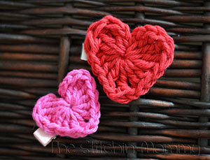 Valentine's Day Crochet Heart by @stitchin_mommy | via I Heart Jewels & Hair - A LOVE Round Up by @beckastreasures | #crochet #pattern #hearts #kisses #valentines #love