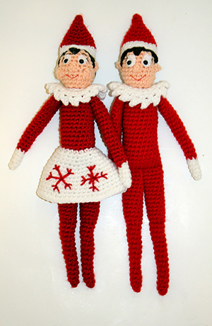 Holiday Shelf Elf Crochet Doll - Free Crochet Pattern by #MadebyMary | Featured at Made by Mary - Sponsor Spotlight Round Up via @beckastreasures | #fallintochristmas2016 #crochetcontest #spotlight #crochet #roundup