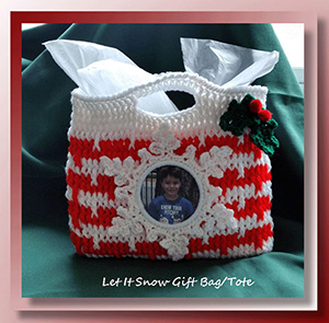 Let It Snow Gift Bag/Tote | Featured at Saturday Link Party #65 via @beckastreasures with @crochetmemories | Join the latest parties here: https://goo.gl/uUHihU #crochet