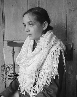 Winter Bohemian Infinity Scarf - Free Crochet Pattern by @countrywillow12 | Featured at Country Willow Designs - Sponsor Spotlight Round Up via @beckastreasures | #fallintochristmas2016 #crochetcontest #spotlight #crochet #roundup