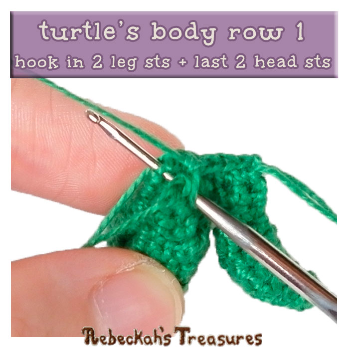 WIP Picture 03 | Crocheting the Turtle's Body via @beckastreasures | FREE Finger Puppet Crochet Pattern!