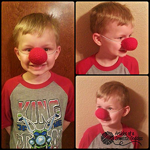 Adjustable Clown Nose - Free Crochet Pattern by @ArtofaDG | Featured at Articles of a Domestic Goddess - Sponsor Spotlight Round Up via @beckastreasures | #fallintochristmas2016 #crochetcontest #spotlight #crochet #roundup