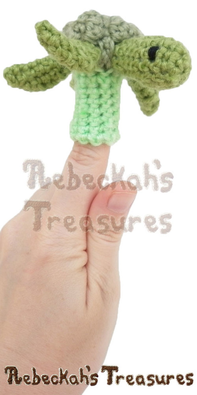 Turtle, Turtle! | Finger Puppet Turtle Friends via @beckastreasures | A free pattern you'll love crocheting for your puppet theaters! Get ready for smiles, laughter and timeless productions starting turtle and friends... #freecrochet #turtles #crochet #amigurumi #fingerpuppet