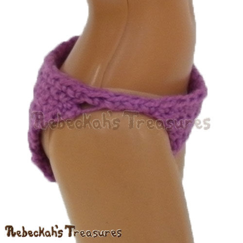 Regular Fashion Doll Panties - SIDE VIEW | FREE crochet pattern via @beckastreasures | Delight little girls everywhere and add a special touch to your crochet dresses! #barbie #crochet