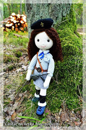 Doll Girl Scout Julka ~ Lalka Harcerka Julka | Featured at Saturday Link Party #60 via @beckastreasures with #lalkacrochetka | Join the latest parties here: https://goo.gl/uUHihU #crochet