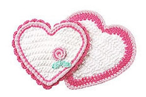 Sweet Heart Potholder and Dishcloth by @pinkmamboblog | via Be Mine Décor - A LOVE Round Up by @beckastreasures | #crochet #pattern #hearts #kisses #valentines #love