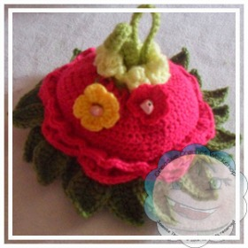 Flower Wrist Purse by Joanita of Creative Crochet Workshop - Featured on @beckastreasures Saturday Link Party!