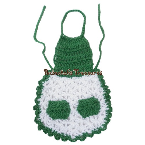 Crochet Mrs. Barbie Claus' Apron ~ Freebie Pattern by Rebeckah's Treasures