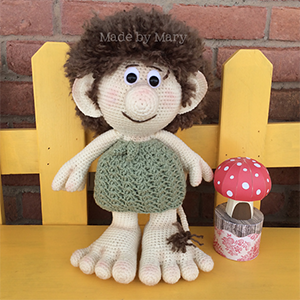 Troll Amigurumi - Crochet Pattern by #MadebyMary | Featured at Made by Mary - Sponsor Spotlight Round Up via @beckastreasures | #fallintochristmas2016 #crochetcontest #spotlight #crochet #roundup