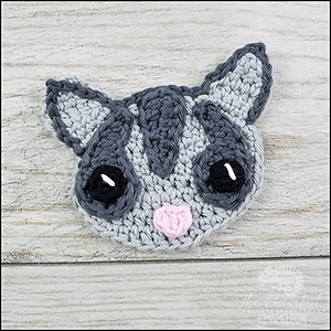 Smiling Sugar Glider Applique - Free Crochet Pattern by @CheeryChameleon | Featured at The Cheerful Chameleon - Sponsor Spotlight Round Up via @beckastreasures | #fallintochristmas2016 #crochetcontest #spotlight #crochet #roundup