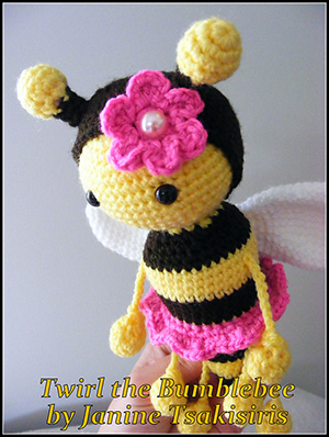 Twist and Twirl Bumble Bees - Crochet Pattern by #NeensCrochetCorner | Featured at Neen's Crochet Corner - Sponsor Spotlight Round Up via @beckastreasures | #fallintochristmas2016 #crochetcontest #spotlight #crochet #roundup