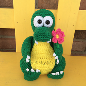 Crocodile Amigurumi - Crochet Pattern by #MadebyMary | Featured at Made by Mary - Sponsor Spotlight Round Up via @beckastreasures | #fallintochristmas2016 #crochetcontest #spotlight #crochet #roundup