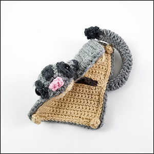 Sugar Glider Coin Pouch - Crochet Pattern by @CheeryChameleon | Featured at The Cheerful Chameleon - Sponsor Spotlight Round Up via @beckastreasures | #fallintochristmas2016 #crochetcontest #spotlight #crochet #roundup