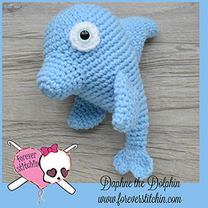 Daphne Dolphin Amigurumi - Crochet Pattern by @foreverstitchin | Featured at Forever Stitchin - Sponsor Spotlight Round Up via @beckastreasures | #fallintochristmas2016 #crochetcontest #spotlight #crochet #roundup
