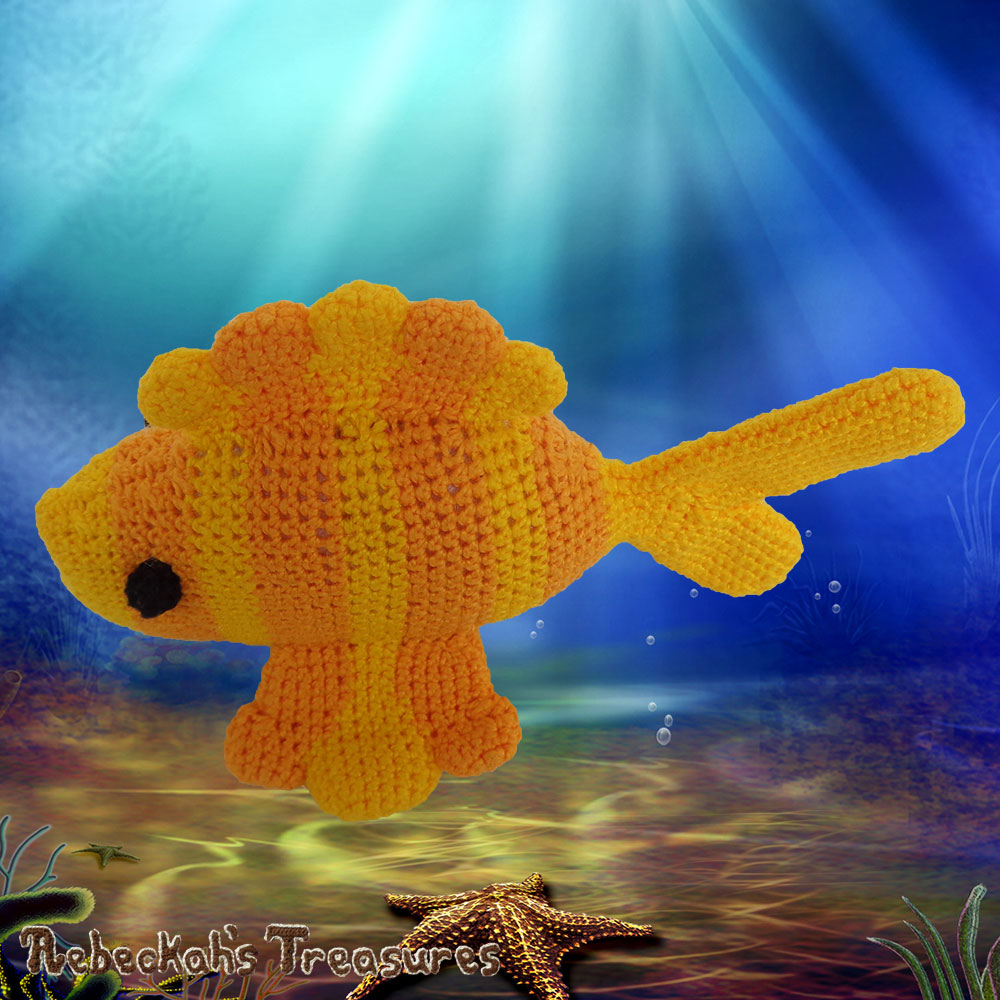 Goldfishy Amigurumi - Side Dorsal & Pectoral Fin Views | Crochet Pattern by @beckastreasures | Will it be mirror decoration, part of a baby mobile or a cuddly toy? YOU get to decide!!! | | Available to purchase in my #Ravelry & Website shops, or as part of the April 2017 issue of @getstuffed - Get your copy today! | #crochet #pattern #goldfishy #fish #goldfish #amigurumi #GetStuffedMagazine