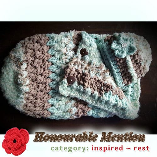 Cozy Cocoon | REST Category - Honourable Mention (more than 100 votes) at @beckastreasures | Fall into Christmas Crochet Contest 2016 (October 30th - December 21st)
