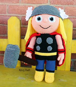 Hammer Buddy - Kid Hero - Free Crochet Pattern by #MadebyMary | Featured at Made by Mary - Sponsor Spotlight Round Up via @beckastreasures | #fallintochristmas2016 #crochetcontest #spotlight #crochet #roundup