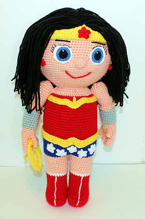 Super Gal - Kid Hero - Free Crochet Pattern by #MadebyMary | Featured at Made by Mary - Sponsor Spotlight Round Up via @beckastreasures | #fallintochristmas2016 #crochetcontest #spotlight #crochet #roundup