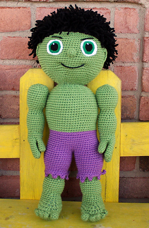 Green Buddy - Kid Hero - Free Crochet Pattern by #MadebyMary | Featured at Made by Mary - Sponsor Spotlight Round Up via @beckastreasures | #fallintochristmas2016 #crochetcontest #spotlight #crochet #roundup