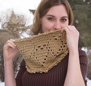 Veiled Hearts Cowl by @CrystalizedForU | via I Heart Clothes - A LOVE Round Up by @beckastreasures | #crochet #pattern #hearts #kisses #valentines #love