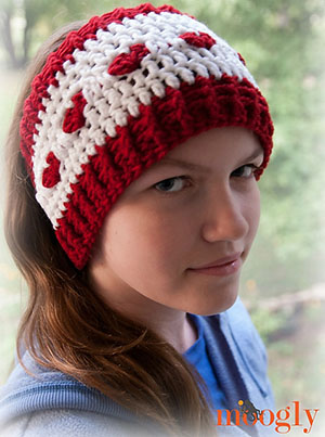 Love Is Cold Ear Warmer by @mooglyblog | via I Heart Jewels & Hair - A LOVE Round Up by @beckastreasures | #crochet #pattern #hearts #kisses #valentines #love