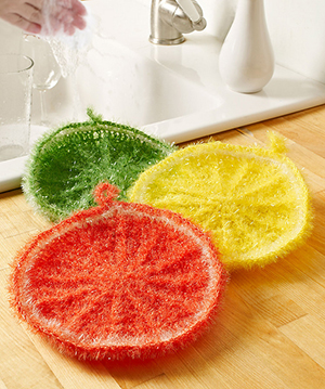Splash of Citrus Scrubby - Free Crochet Pattern by Michele Wilcox | Featured at Red Heart - Sponsor Spotlight Round Up via @beckastreasures with @redheartyarns| #fallintochristmas2016 #crochetcontest #spotlight #crochet #roundup