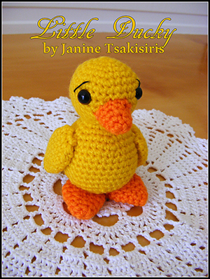 Little Baby Ducky - Free Crochet Pattern by #NeensCrochetCorner | Featured at Neen's Crochet Corner - Sponsor Spotlight Round Up via @beckastreasures | #fallintochristmas2016 #crochetcontest #spotlight #crochet #roundup