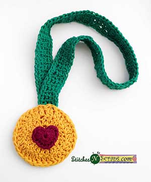 Heart of Gold Medal by @WhichCraft3 | via I Heart Jewels & Hair - A LOVE Round Up by @beckastreasures | #crochet #pattern #hearts #kisses #valentines #love