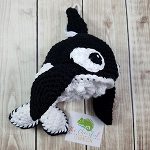 Ollie the Orca Scrubby - Crochet Pattern by @CheeryChameleon | Featured at The Cheerful Chameleon - Sponsor Spotlight Round Up via @beckastreasures | #fallintochristmas2016 #crochetcontest #spotlight #crochet #roundup