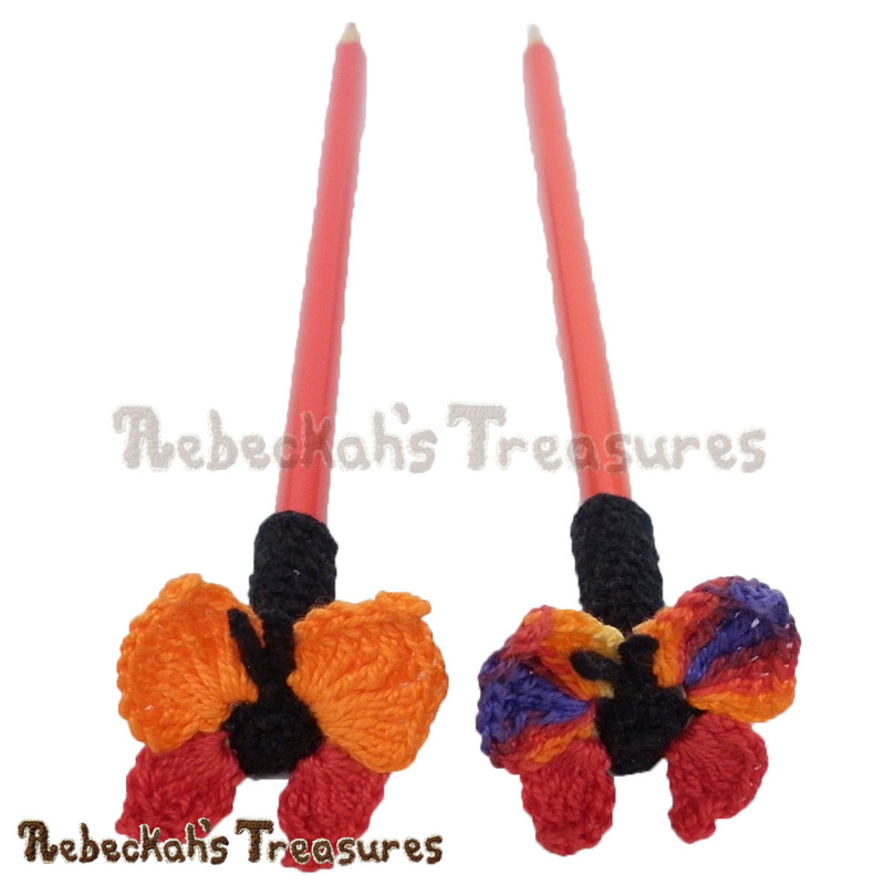 Cute Butterfly Pencil Topper / Finger Puppet | FREE crochet pattern by @beckastreasures via @keep_on_farting | Looking for quick and easy last minute gifts to crochet? Try this Cute Butterfly Pencil Topper pattern. It's fun for all ages and perfect for last-minute gifts or bulk gifting events! #butterfly #crochet #penciltopper #fingerpuppet