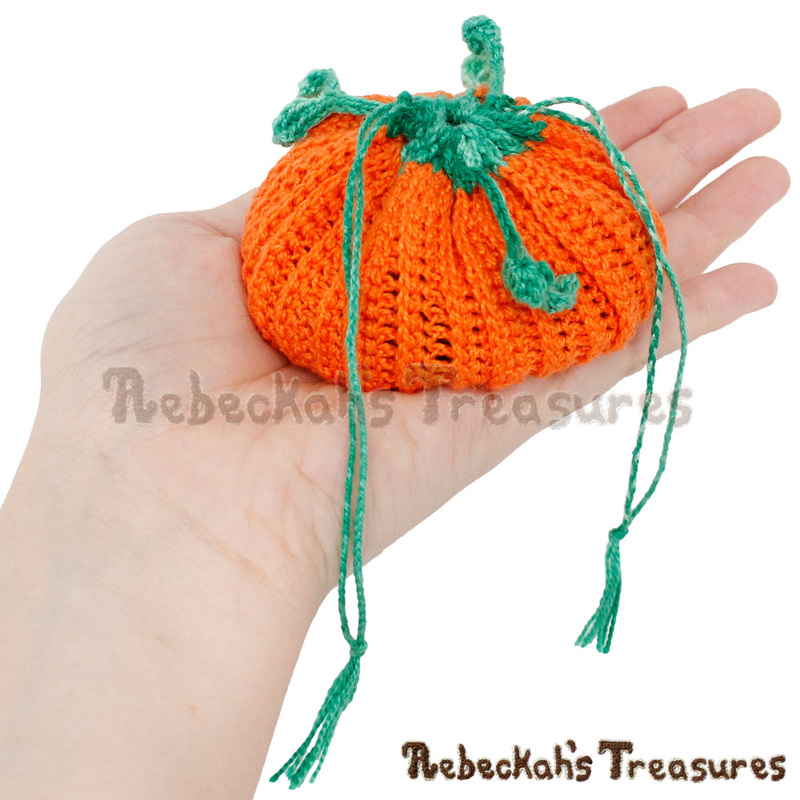 Pumpkin Delights Coin Purse by @beckastreasures | Free Crochet Pattern coming October 2016 via A Designer's Potpourri Year-Long CAL with @countrywillow12, @crochetmemories, @Sherrys2boyz & @ArtofaDG | Join today!