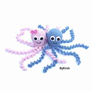 Preemie Octopus | Friday Feature #22 via @beckastreasures with #ByKirsti | See the latest designer features here: https://goo.gl/UIvoYx OR SIGN UP to get featured at Rebeckah's Treasures here: https://goo.gl/xjDP52 #crochet