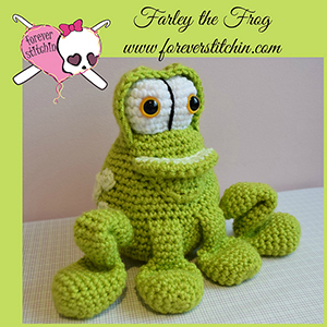 Farley the Frog Amigurumi - Crochet Pattern by @foreverstitchin | Featured at Forever Stitchin - Sponsor Spotlight Round Up via @beckastreasures | #fallintochristmas2016 #crochetcontest #spotlight #crochet #roundup