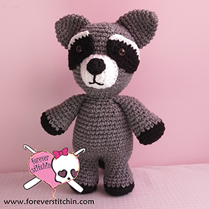 Raccoon Amigurumi - Crochet Pattern by @foreverstitchin | Featured at Forever Stitchin - Sponsor Spotlight Round Up via @beckastreasures | #fallintochristmas2016 #crochetcontest #spotlight #crochet #roundup