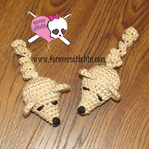 Mini Mouse the Cat Toy - Free Crochet Pattern by @foreverstitchin | Featured at Forever Stitchin - Sponsor Spotlight Round Up via @beckastreasures | #fallintochristmas2016 #crochetcontest #spotlight #crochet #roundup