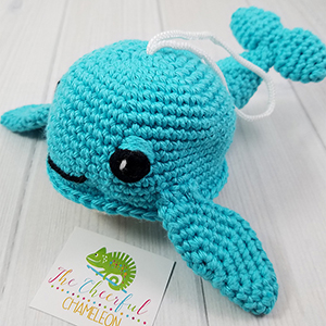 Willow the Whale Scrubby - Crochet Pattern by @CheeryChameleon | Featured at The Cheerful Chameleon - Sponsor Spotlight Round Up via @beckastreasures | #fallintochristmas2016 #crochetcontest #spotlight #crochet #roundup