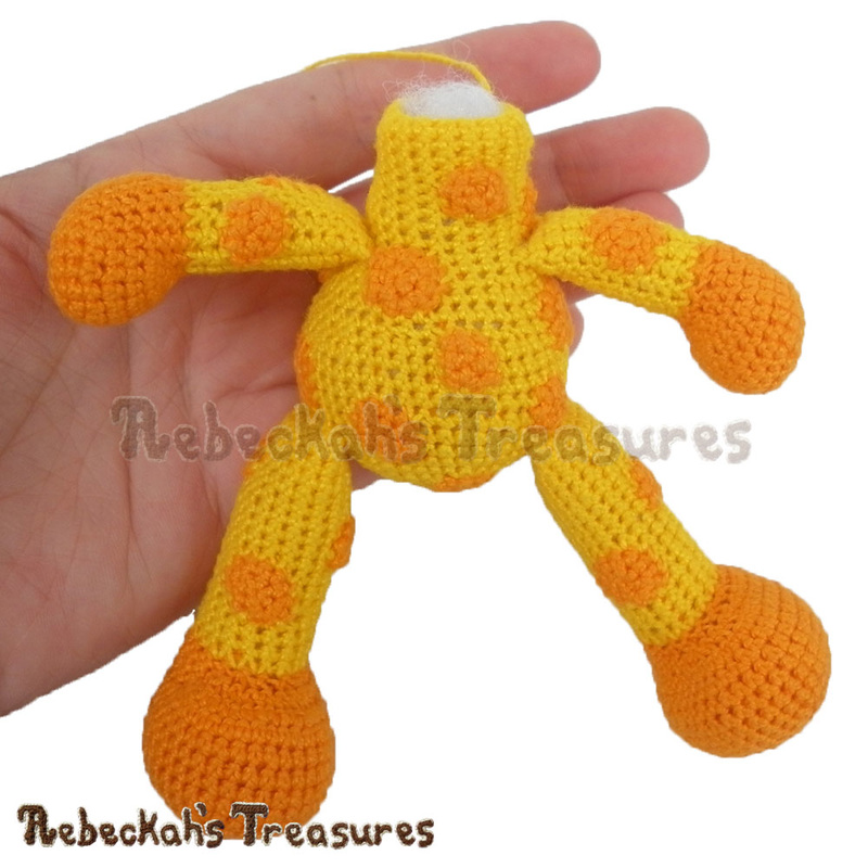 Giraffe body complete! | Working on a Crochet Giraffe via @beckastreasures