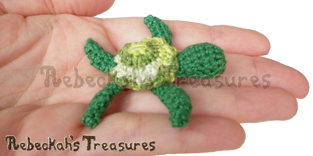 Turtle' s Shell | Finger Puppet Turtle Friends via @beckastreasures | A free pattern you'll love crocheting for your puppet theaters! Get ready for smiles, laughter and timeless productions starting turtle and friends... #freecrochet #turtles #crochet #amigurumi #fingerpuppet
